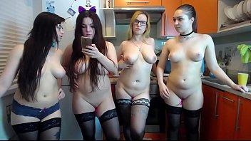 Live Amateur BBW Webcam Girls Spreading In The Kitchen