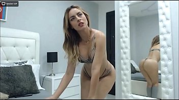 Big Booty Bikini Cam Girl Tease