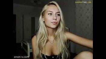 Webcam Blonde Teen Striptease Hottie